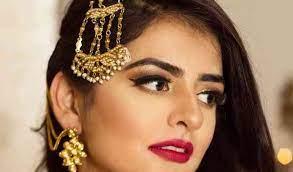 Kriti Goyal Makeovers